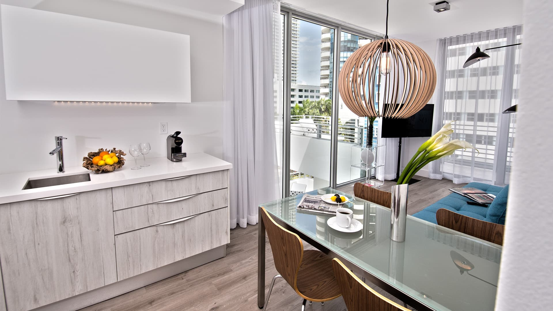 Penthouse one bedroom corner with terrace-3