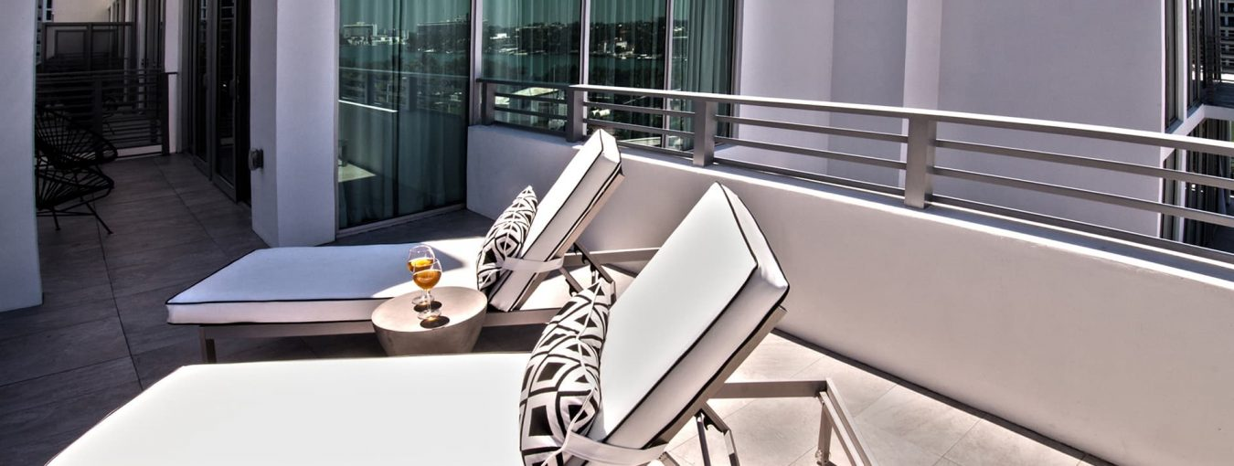 Penthouse one bedroom corner with terrace-6
